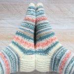 Tejer calcetines con agujas de doble punta y Regia Pairfect