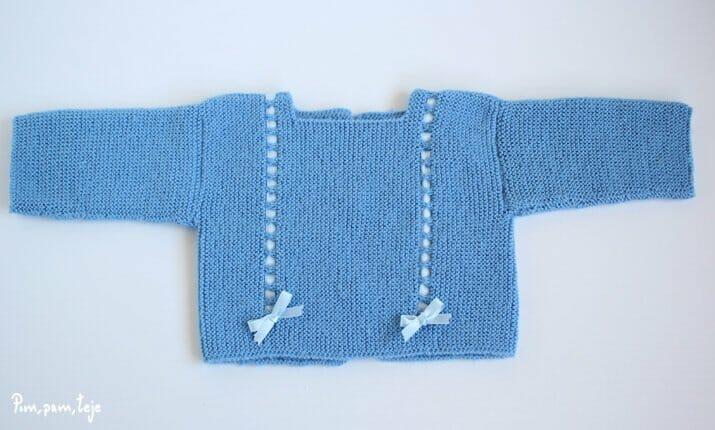 Patrón para tejer un jersey sencillo de bebé a dos agujas| Pim, pam ...