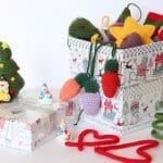 Es tiempo de tejer adornos navideños