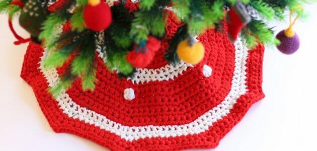 Patrón para tejer un cubre pie de trapillo para el árbol de Navidad