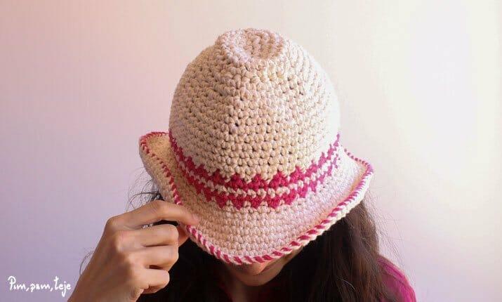 Sombrero de ganchillo con lino flame