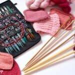 Seis motivos para aprender a tejer con agujas circulares